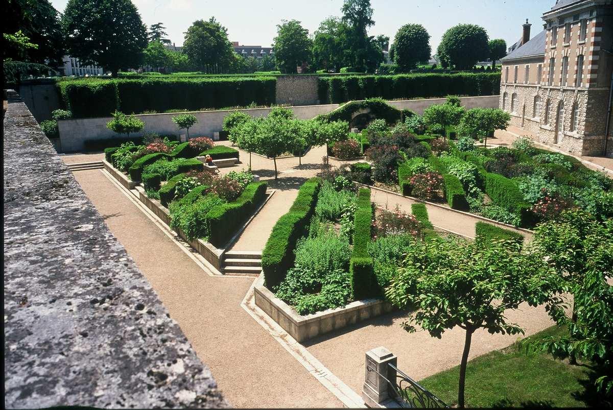 Outstanding gardens site ch teau de blois anglais for Les jardins